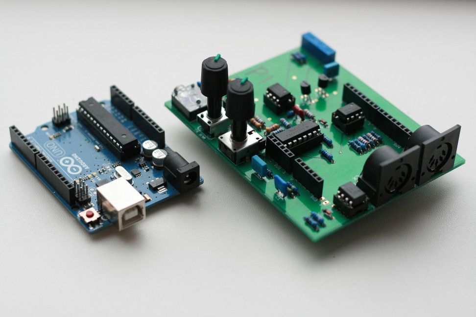 Arduino Piggyback Synthesizer