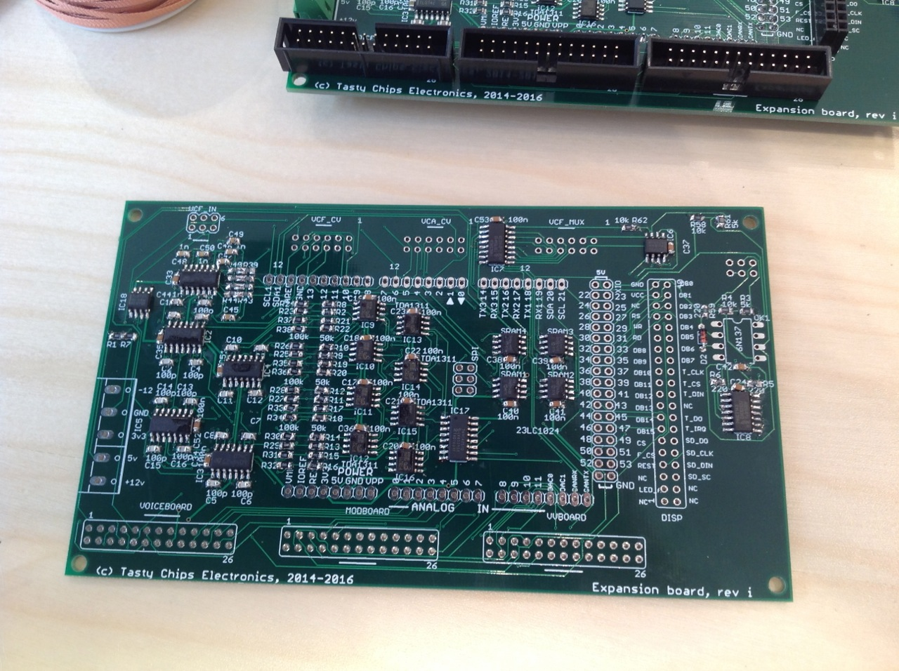 The five TL074 quad-opamps on the left. IC1..IC5. Note that IC1 is the top one and its name is name mentioned on the silkscreen!